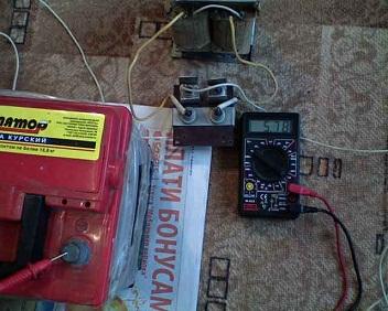 Схема подключения амперметра в зарядном устройстве